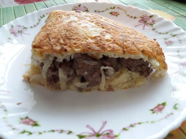 Кабачковый пирог с фаршем с сыром