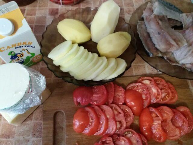 Подготовленные продукты для запекания с рыбой