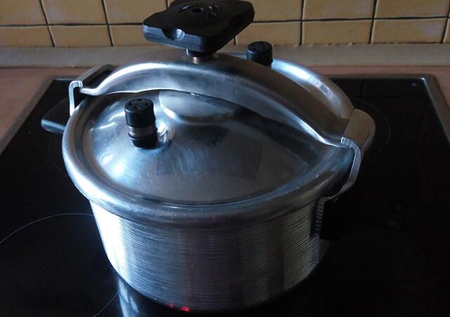 Приготовление топленого молока в скороварке