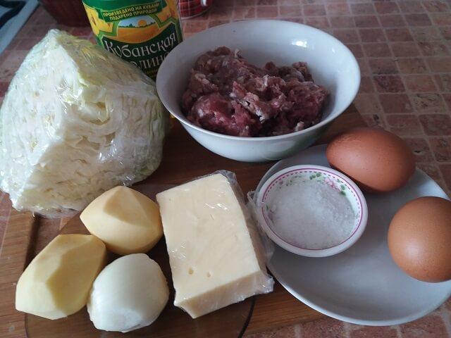 Ингредиенты для стожков с капустой и яйцом