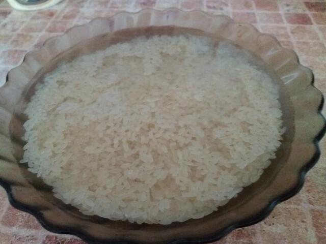Рис промываем водой