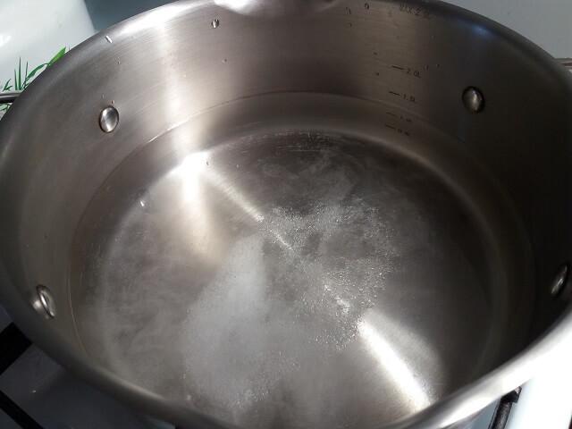 Как правильно варить пельмени, чтобы они не разварились