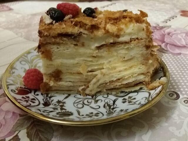 Торт Наполеон из готового слоеного теста – легкий и быстрый рецепт