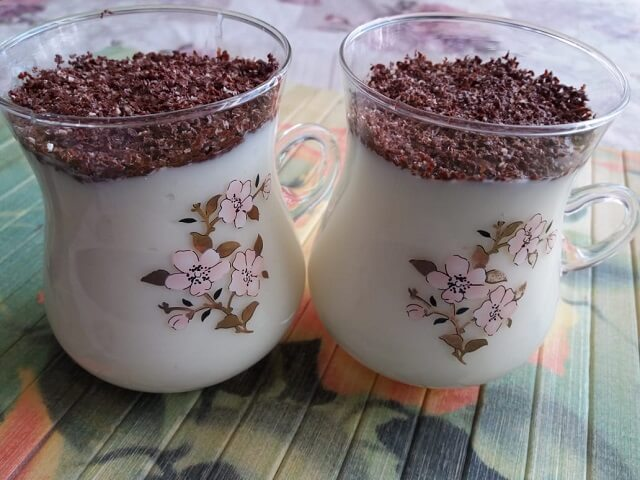 Молочный кисель с крахмалом - вкусный десерт из детства