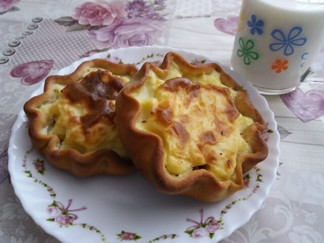 Шаньги с картошкой из пресного теста в духовке, как у бабушки
